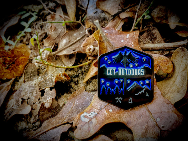 Get Outdoors Lapel Pin (midnight)