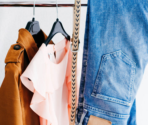 How to save money while shopping and look stylish on a budget