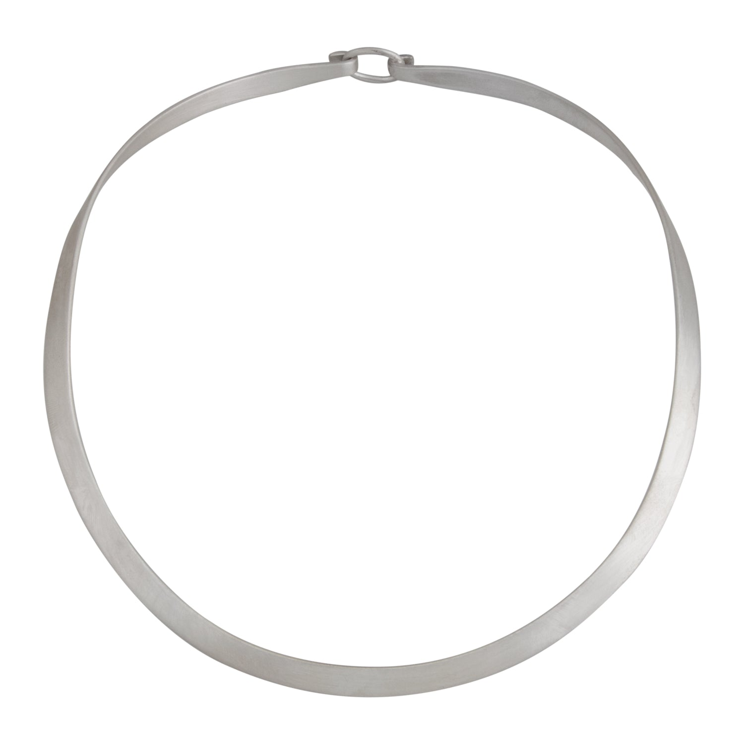 sterling-silver-round-neckwire-with-clasp-matte - 1 - Charles Albert Inc