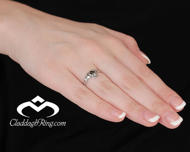 https://cdn.shopify.com/s/files/1/0078/3607/4042/t/7/assets/description_image_Claddagh_Ring_SL_SL46_5.jpg?v=1597356020