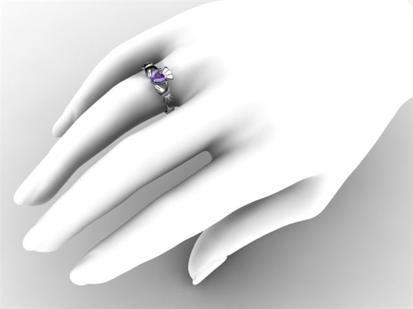 Claddagh Ring SUE-TANZ-WHITE on hand
