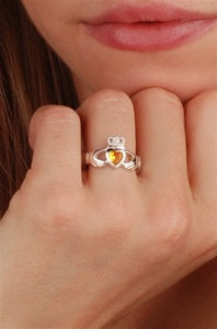 NOVEMBER Birthstone Claddagh Ring ZOOM