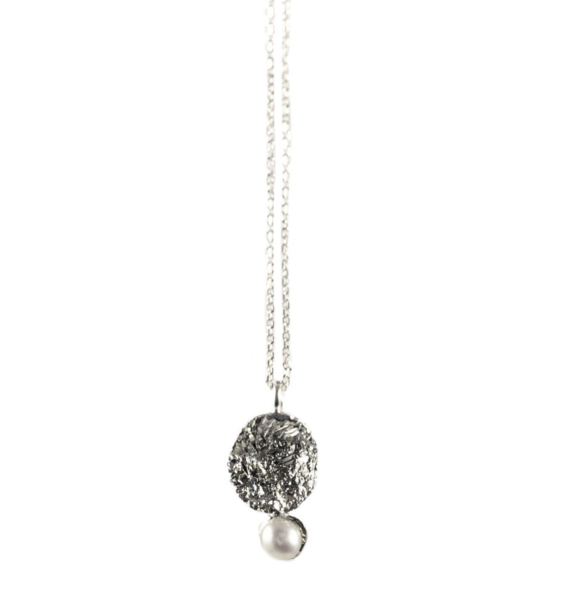 Silver Necklace With Diamond Dust And Pearl - ArtLofter