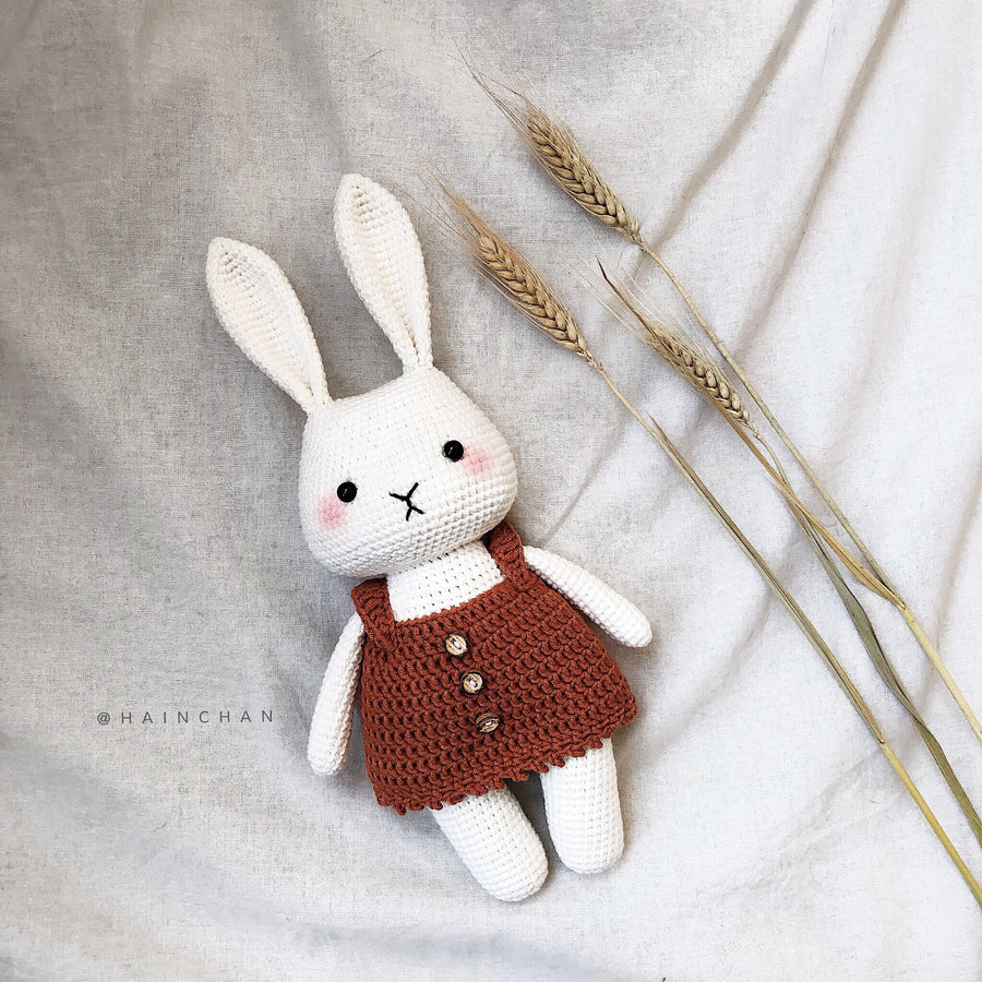 Nana the Bunny - Crochet PDF pattern, instant download.