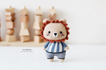 The Little Lion. Amigurumi crochet pattern. Instant download. Languages: English