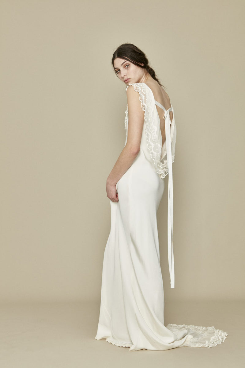 A la Robe - Claudette Gown