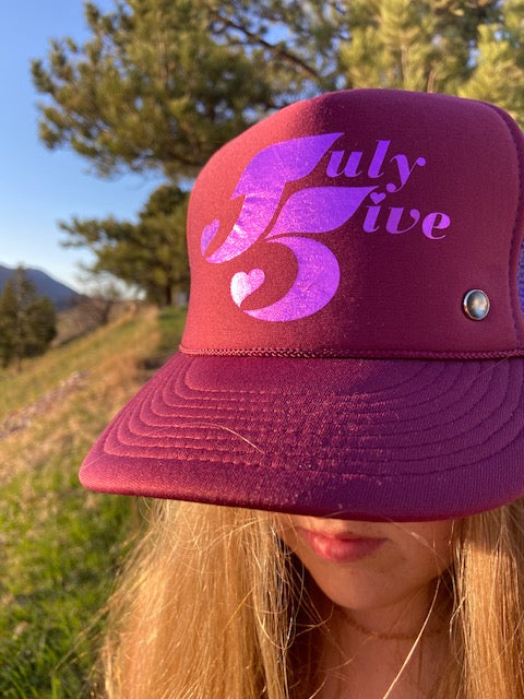 July Five Heart Trucker Hat 'Burgundy/Grape'