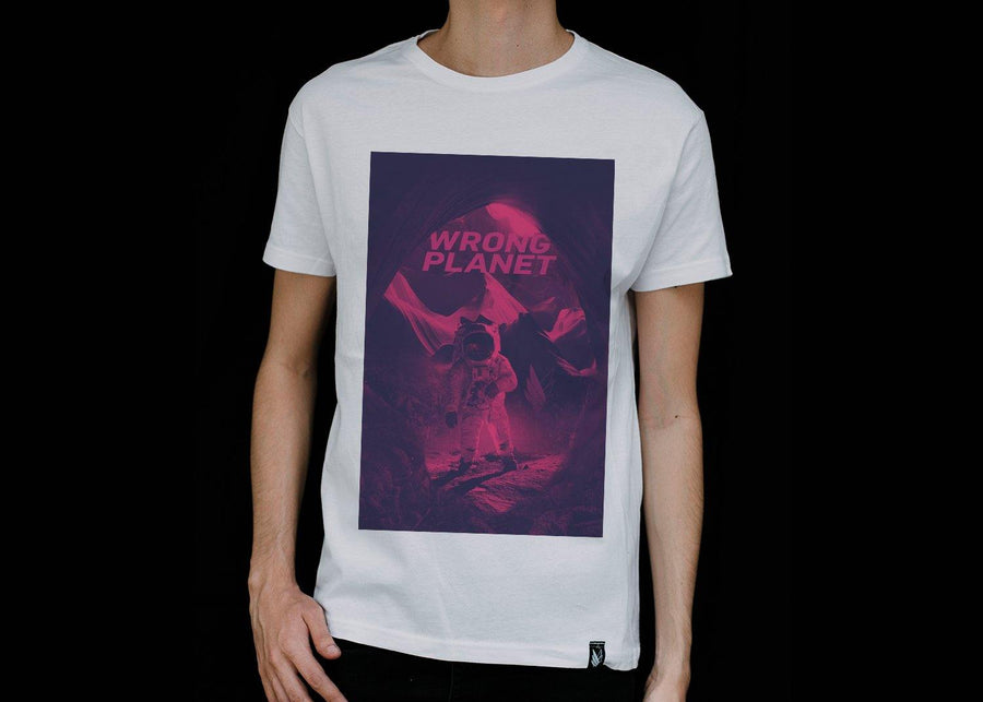 wrong planet color - Playera 2 colores disponible - Stockholm company