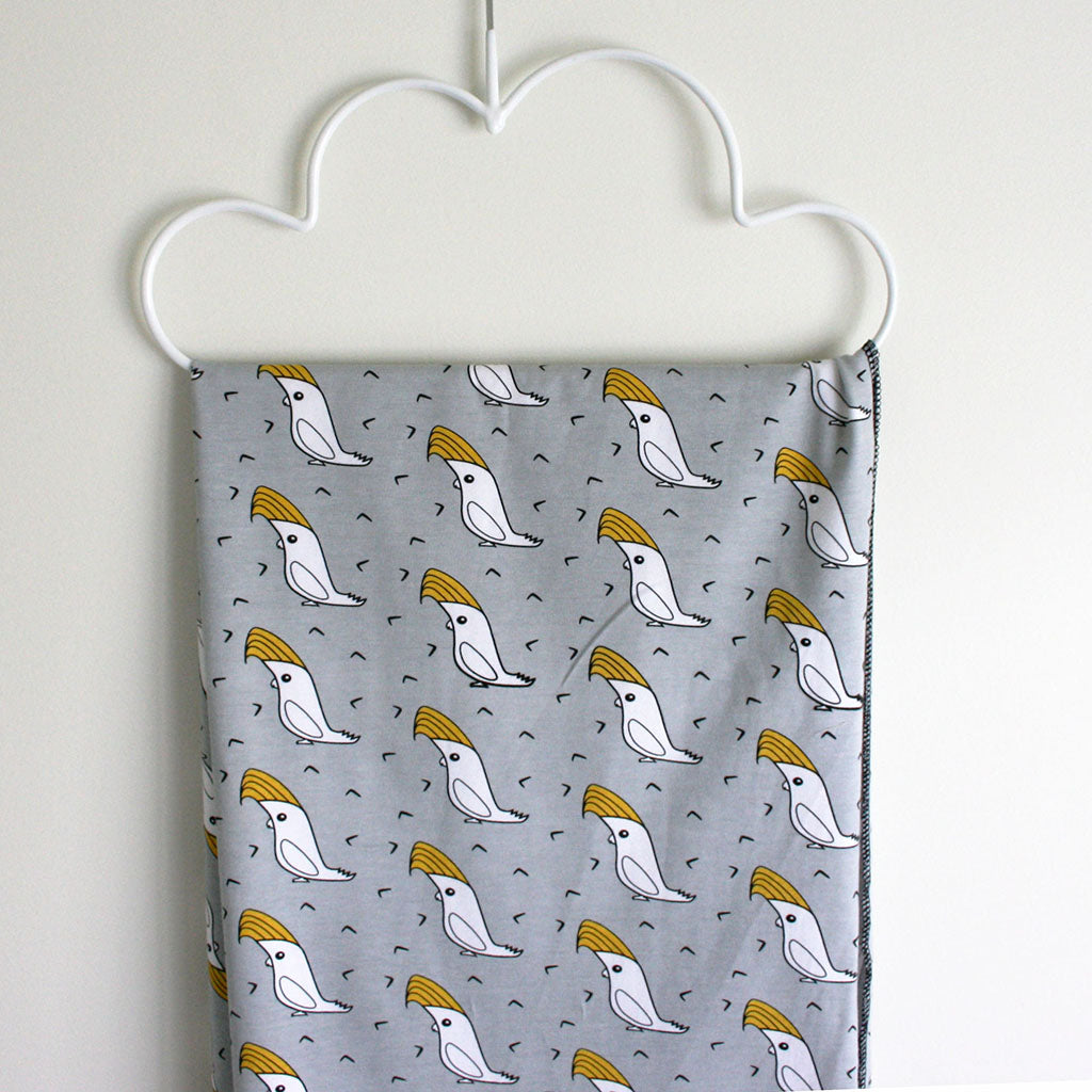 lilhipstar-henry-cockatoo-swaddle-wrap-organic