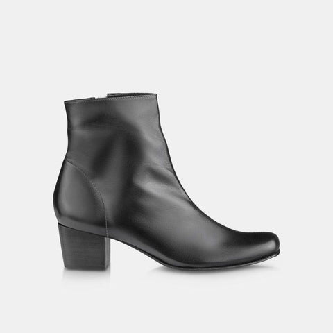 Bota Black and White