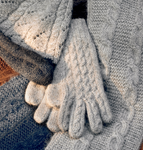 Trenza Cable Knit Gloves