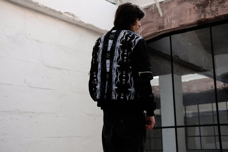 BOMBER JACKET 'ZIP IT'