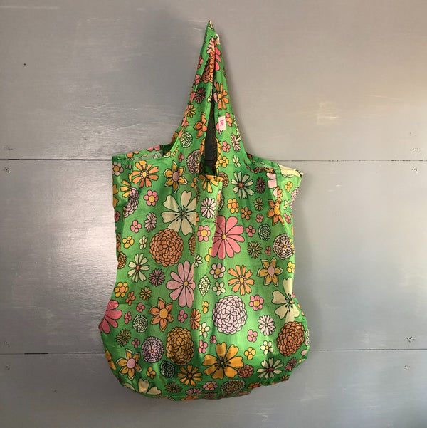 nylon ripstop tote in green flower print