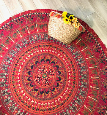 Red Bohemian Round Mandala Tapestry with Plain Traim