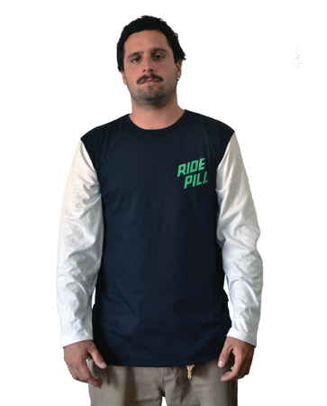 "Pill – Polera Manga Larga ""Ride Pill"" Black/White"