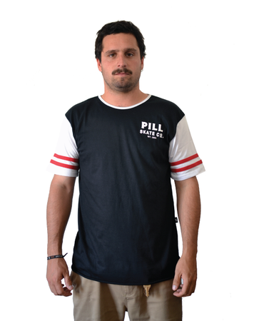 "Pill – Polera ""Strong"" Black/White"