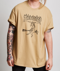 "Thrasher - Polera ""Witch"" Tan"