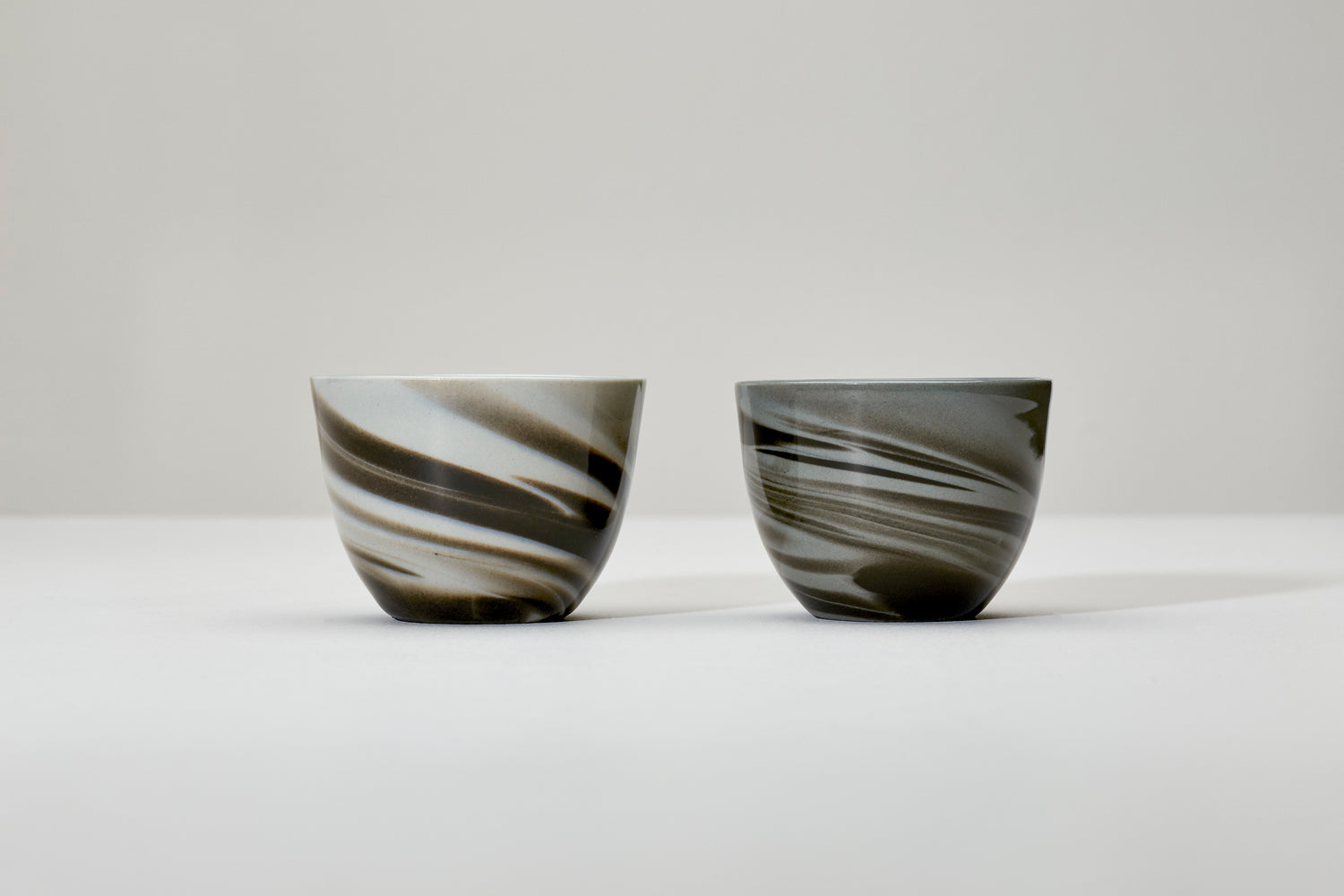 Smoke cup, gray and black - glossy