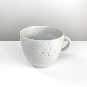 Simple cup with dots