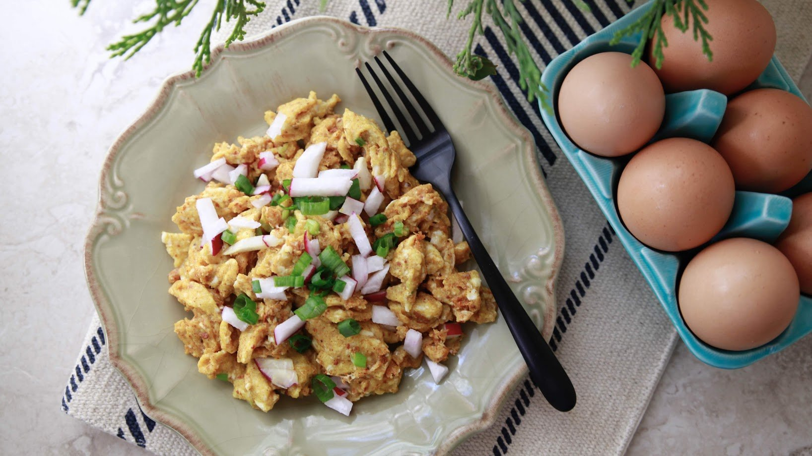 Turmeric Breakfast Scramble