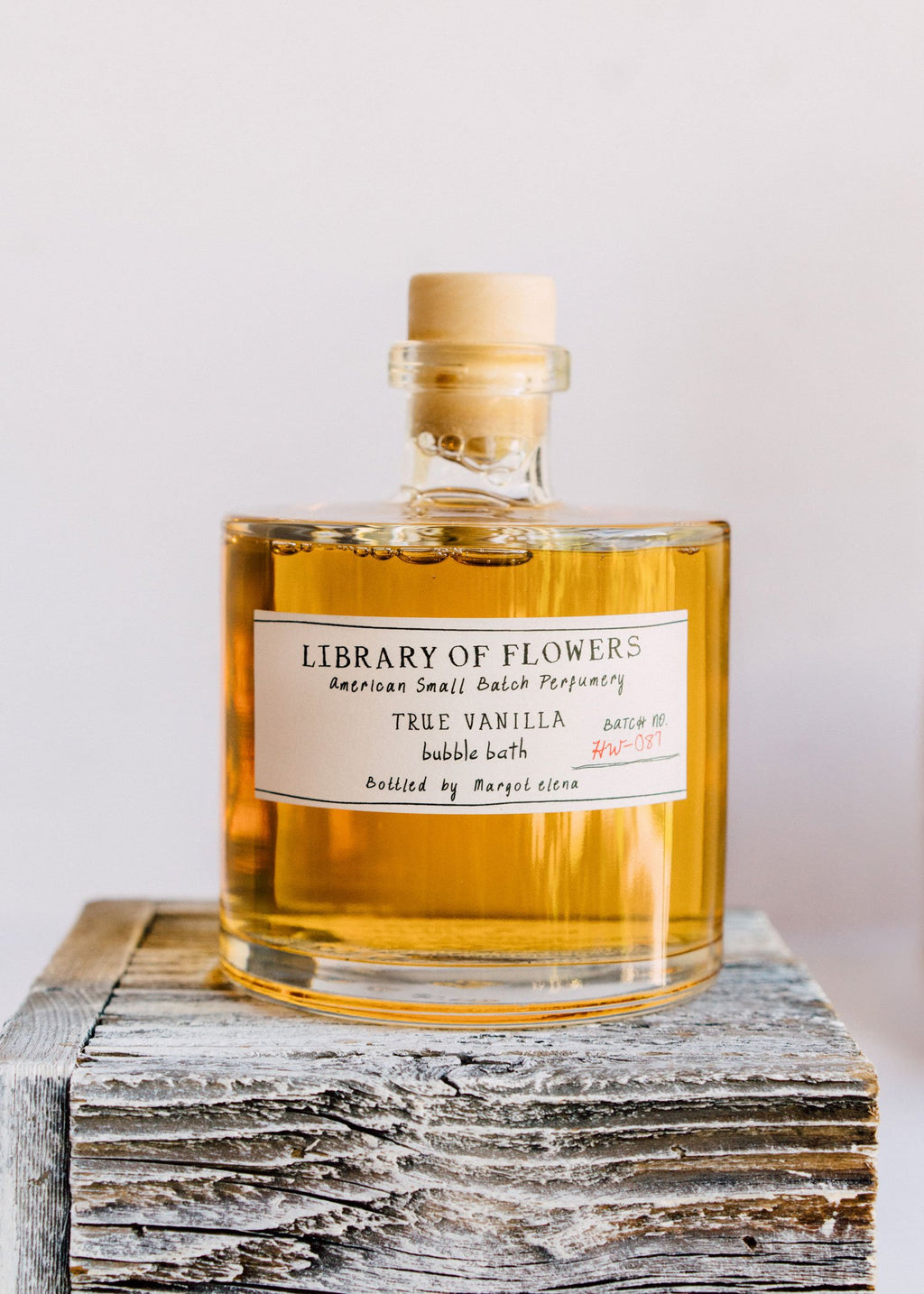 LIBRARY OF FLOWERS | True Vanilla Bubble Bath