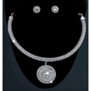 Trendy Necklace For Women Round Design Silver Plated Pendant Necklace Set