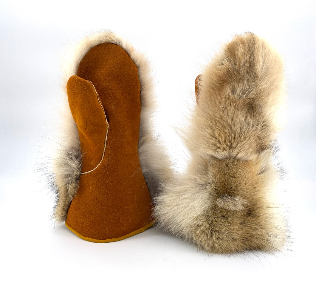 Coyote Mitts by Gertie Tom