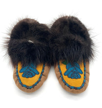 Men's size 10 Slippers by Eileen Miersch