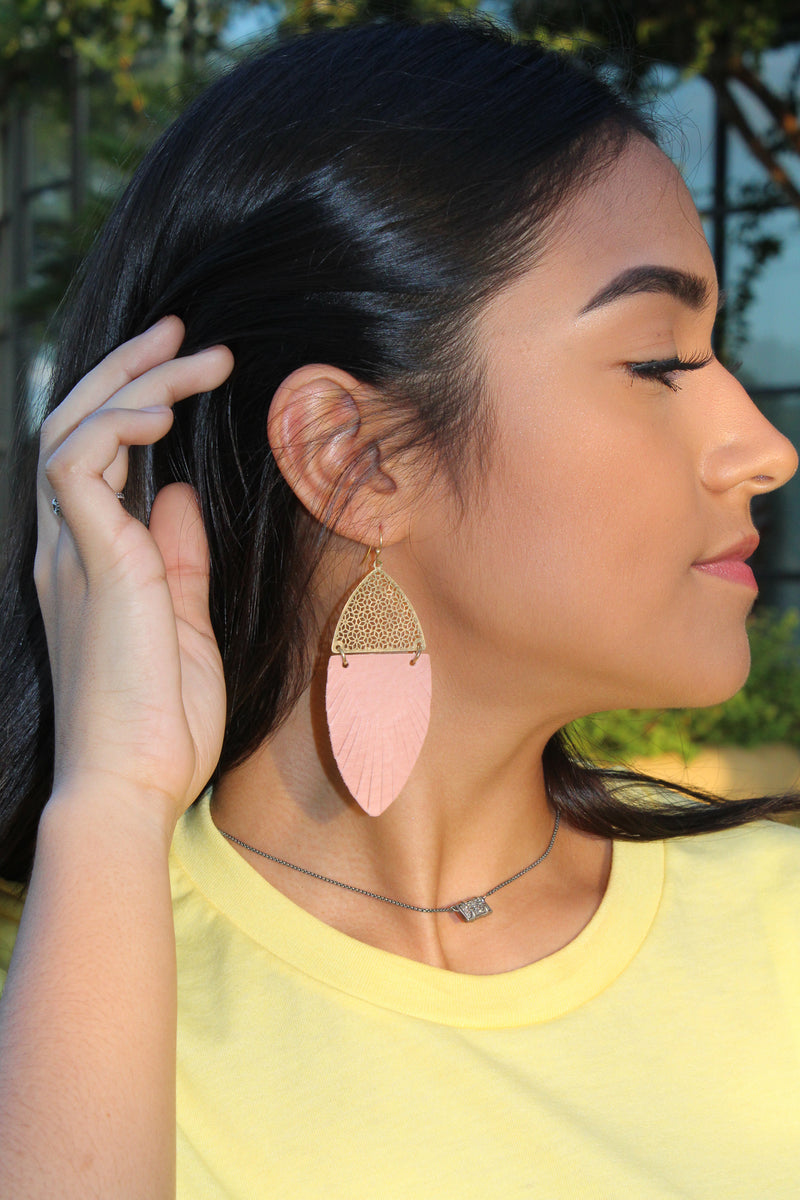 Light Pink Feather-Shaped Earrings - SKC Boutique