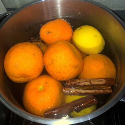 For the spiced marmalade, the whole fruit was boiled with cinnamon sticks and cloves.