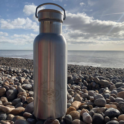 Reusable plastic free, metal insulated water bottle, 500ml with a bamboo lid - Swizzle and friends