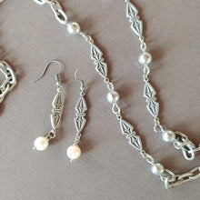 Load image into Gallery viewer, Dangle Pearl Earrings