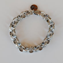 Load image into Gallery viewer, Pretty Plain Chain Bracelet