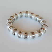 Load image into Gallery viewer, Pearl & Silver Stretch Bracelet