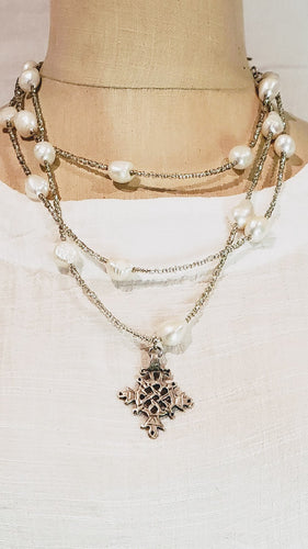 Freshwater baroque pearl necklace with cross