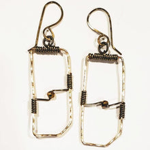 Load image into Gallery viewer, Handmade Wire Earrings