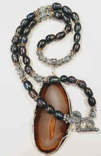 Freshwater Peacock Pearl Agate Stone Necklace
