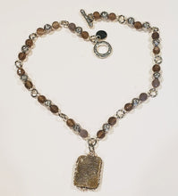Load image into Gallery viewer, Beaded Necklace With Druzy Agate
