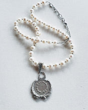Load image into Gallery viewer, Freshwater Pearl Coin Necklace