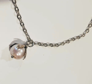 Single Pearl Necklace With Antique Silver Chain