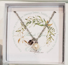 Load image into Gallery viewer, Genuine Pearl With Modern Cube on Chain Necklace