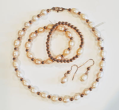 Blush Pearl & Rose Gold Necklace - Beauty In Stone Jewelry
