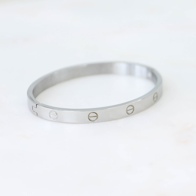 PARPAR</br>Stainless Steel Bangle In White Gold Finish
