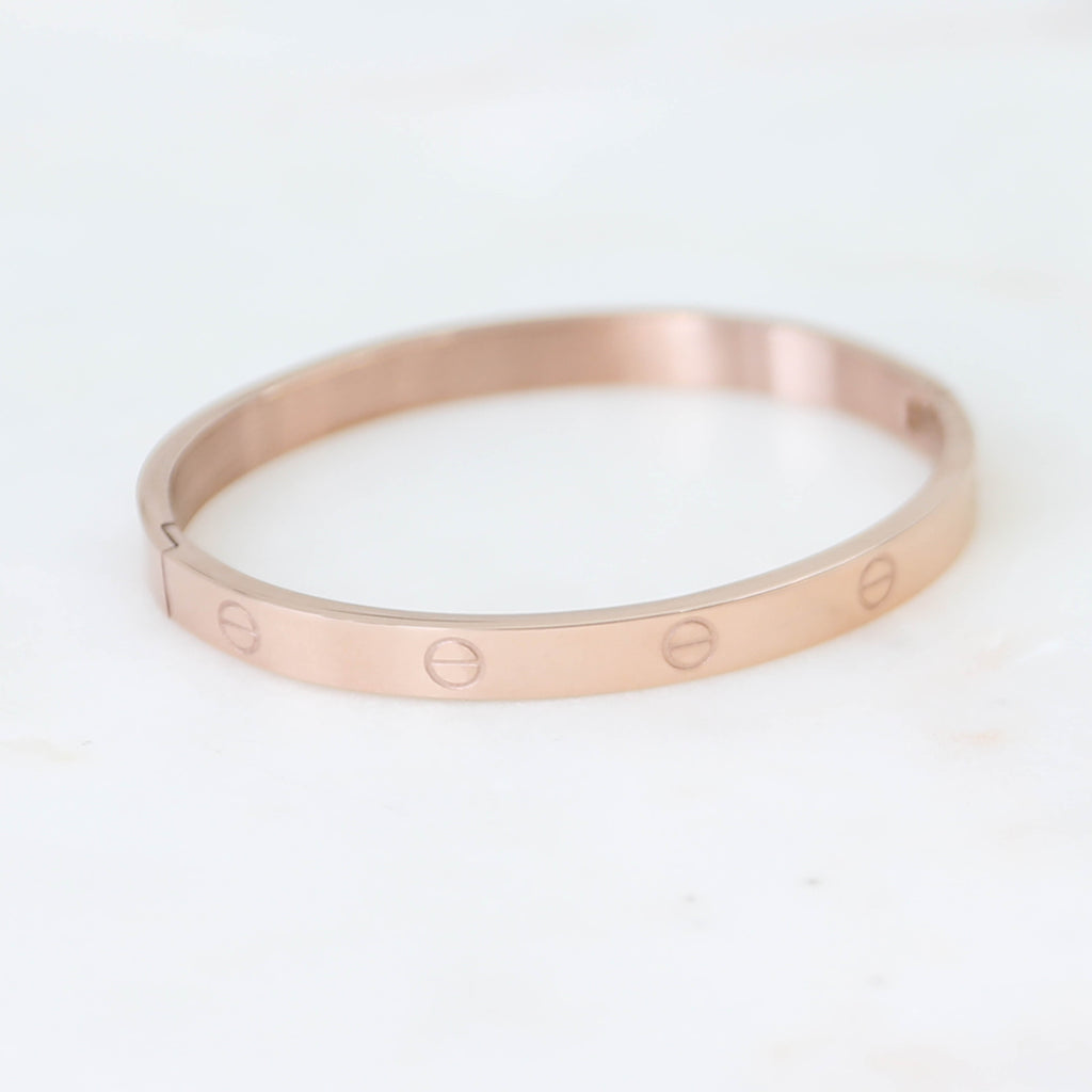 PARPAR</br>Stainless Steel Bangle In Rose Gold Finish