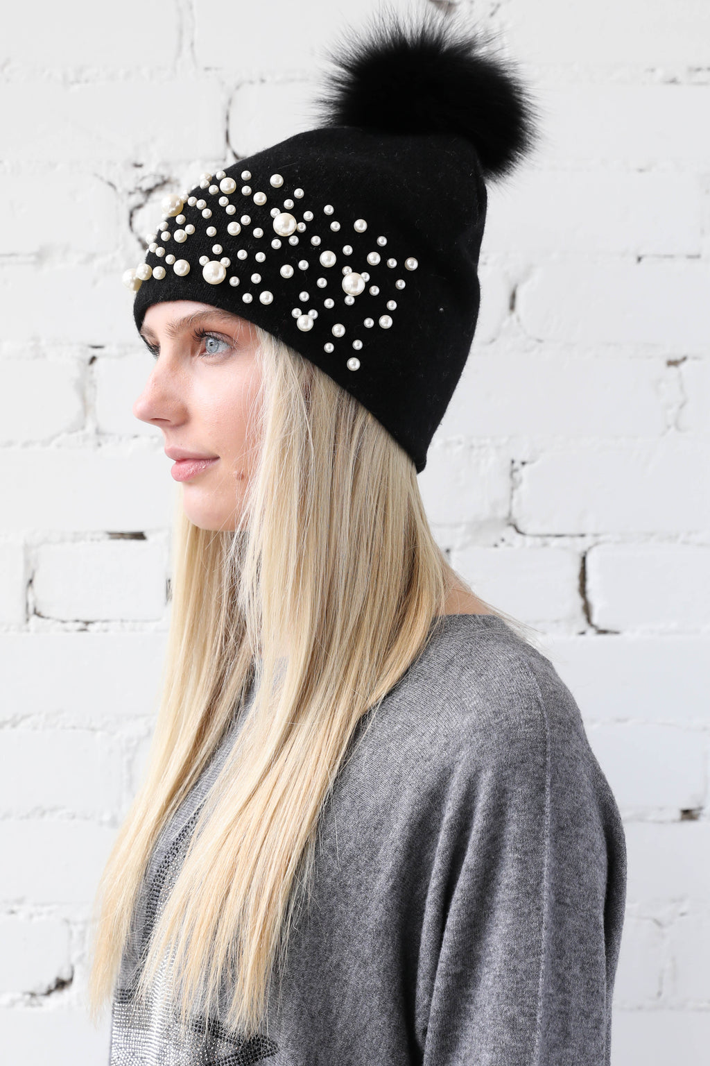 PARPAR </br>Black Knit Pearl Hat With Black Fox Pom Pom