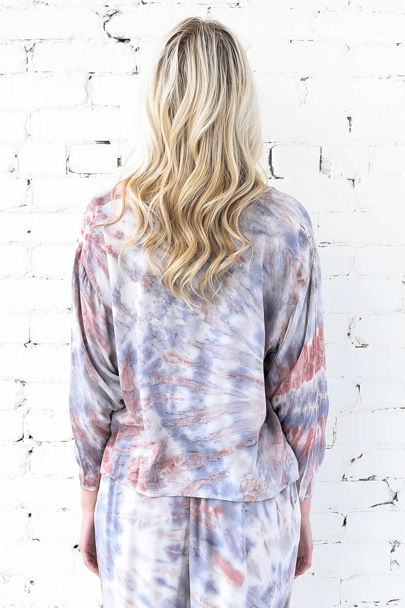 AVERY RAYNE </br>V-Neck Dye Washed Top