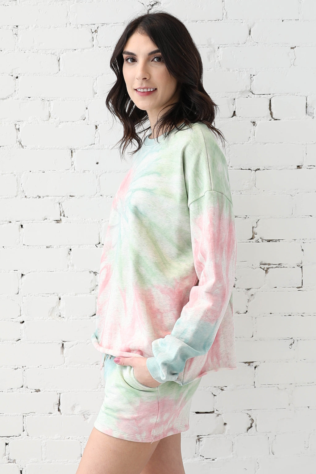AVERY RAYNE </br>Burst Tie Dye Long Sleeve Pullover & Shorts Set