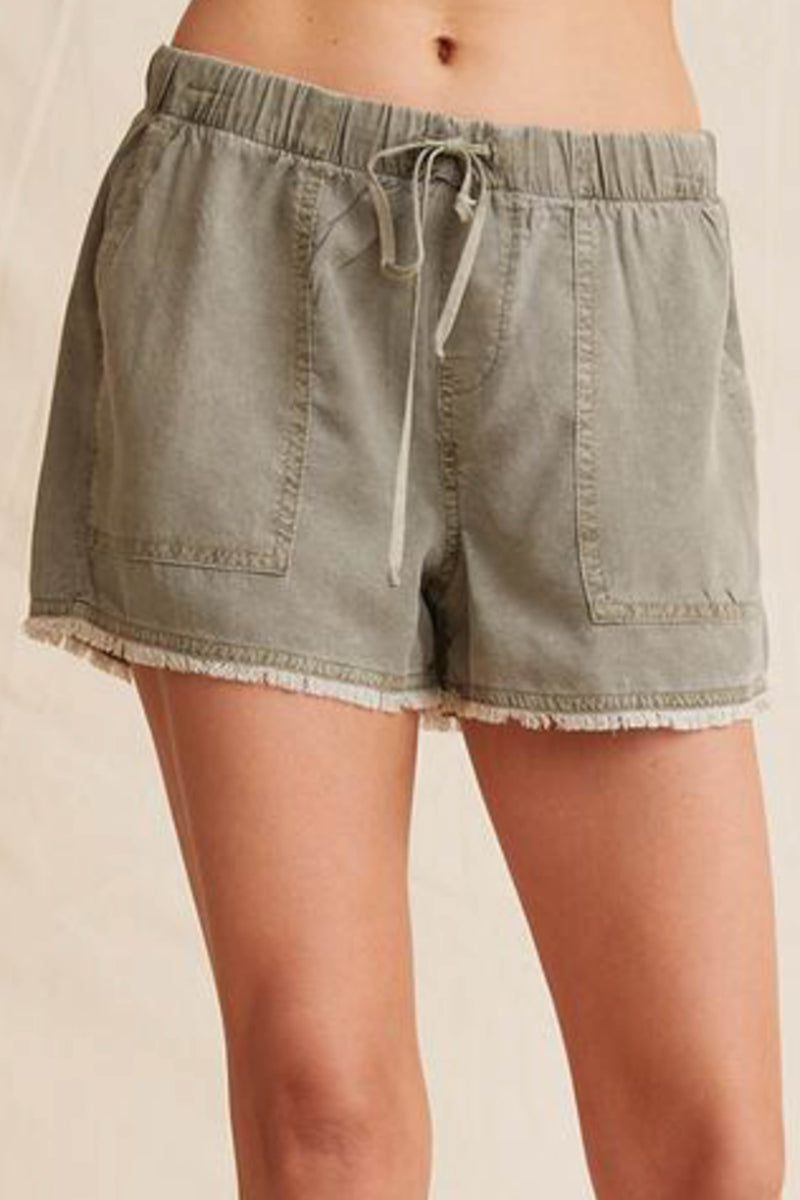 BELLA DAHL </br>Frayed Pocket Short