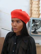 Load image into Gallery viewer, Handmade wool beret