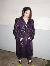 Load image into Gallery viewer, Croco patent Weill trench coat